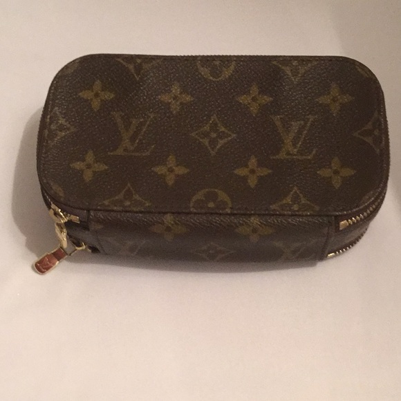 99913080cc45 Louis Vuitton Accessories - Authentic Louis Vuitton Monogram Trousse Blush  PM